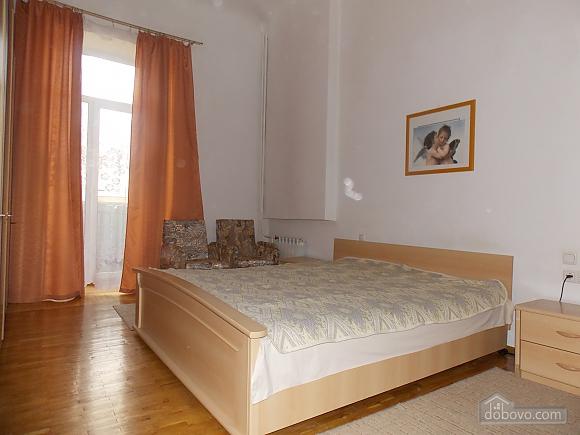 Apartment near the circus, Un chambre (34860), 004