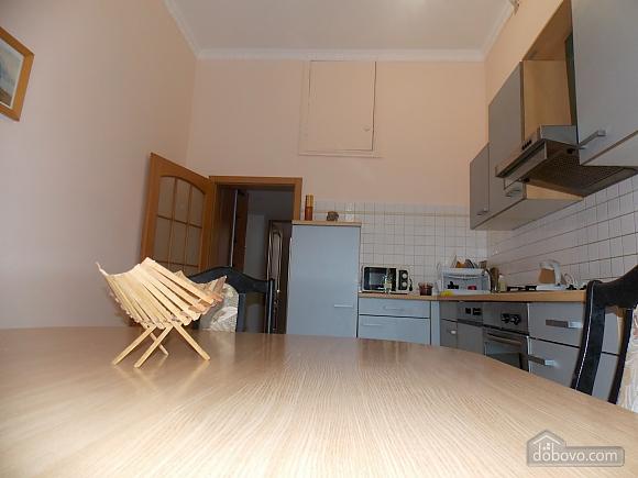 Apartment near the circus, Un chambre (34860), 009