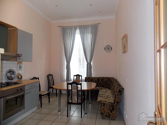 Apartment near the circus, Un chambre (34860), 010