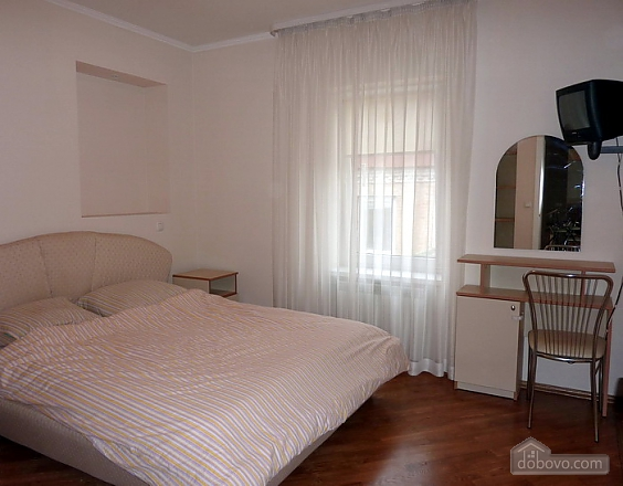 Big apartment in the city center, Three Bedroom (95225), 007
