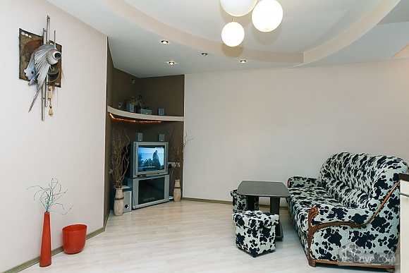 Apartment with a modern renovation, One Bedroom (10355), 005