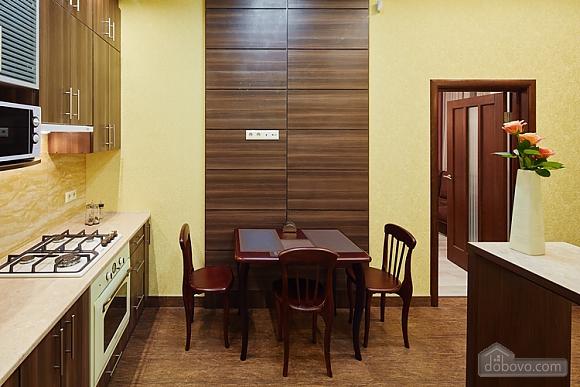 Апартаменты около проспекта Свободы, 1-комнатная (35652), 010