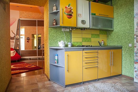 Стильні апартаменти в центрі, 1-кімнатна (32284), 003