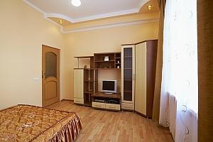 Комфортная квартира в центре Львова, 1-комнатная, 002