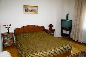 Apartment on Rusanivka, Studio, 001