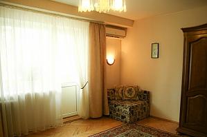 Apartment on Rusanivka, Studio, 002