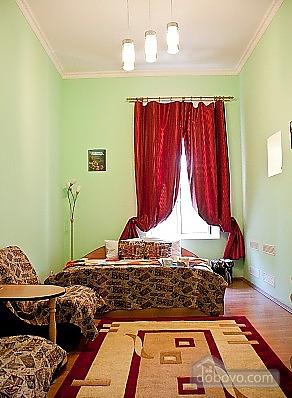 Затишна квартира біля метро Олімпійська, 1-кімнатна (47237), 001