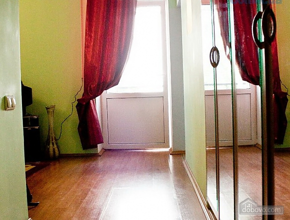 Затишна квартира біля метро Олімпійська, 1-кімнатна (47237), 010