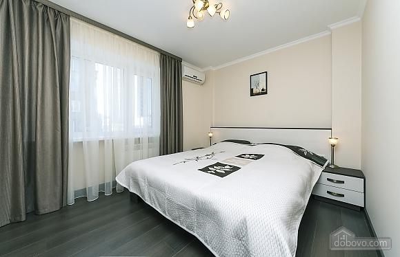 Квартира VIP-уровня, 3х-комнатная (51800), 008