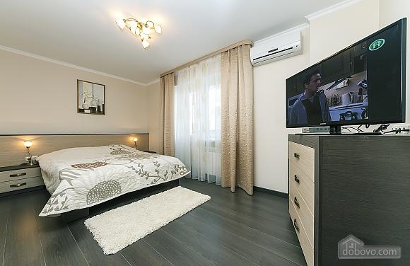 Квартира VIP-уровня, 3х-комнатная (51800), 010