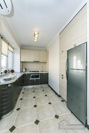 Квартира VIP-уровня, 3х-комнатная (51800), 011