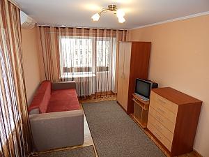 Apartment on Lukianivka, Studio, 001