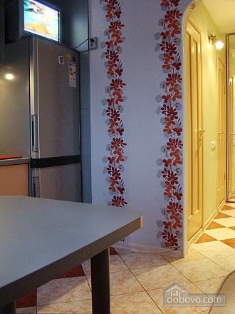 Apartment near the metro station, One Bedroom (80213), 003