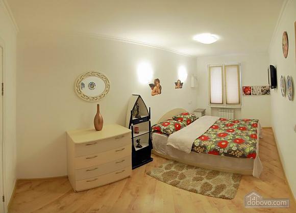 Квартира в центрі міста, 2-кімнатна (96228), 001