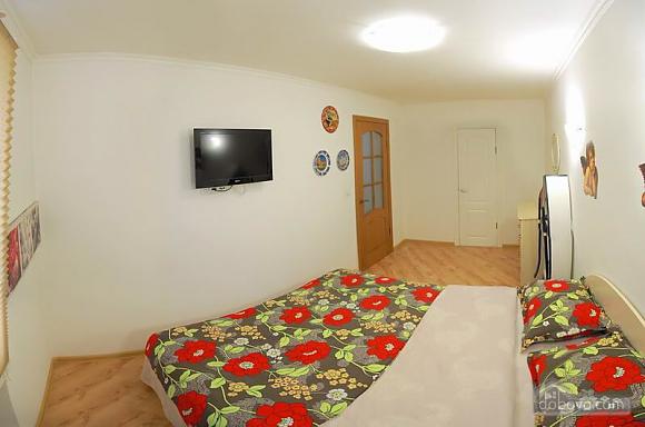 Квартира в центрі міста, 2-кімнатна (96228), 002