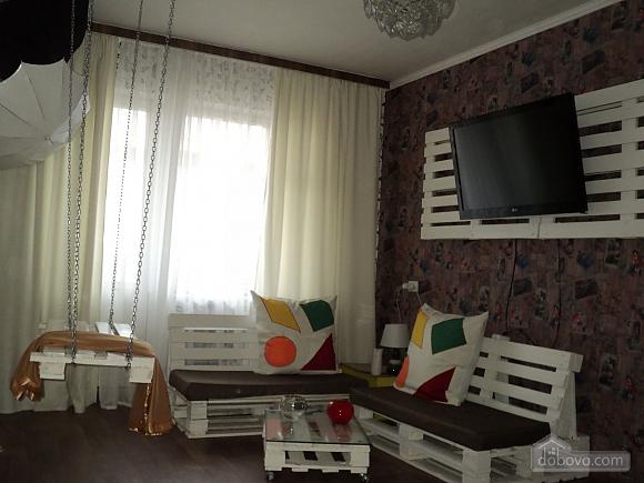 Квартира з дизайнерським оригінальним ремонтом, 1-кімнатна (77580), 002