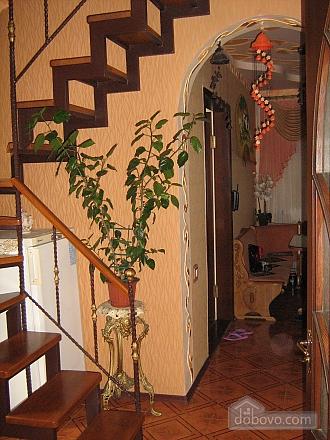 House near the river, Una Camera (98595), 004