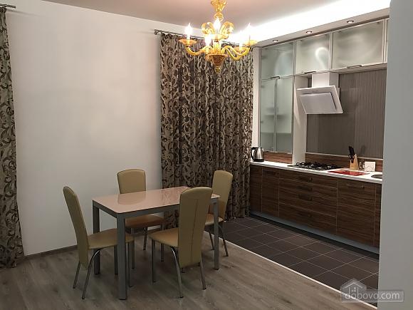 Новые видовые люкс апартаменты в центре, 2х-комнатная (44624), 003