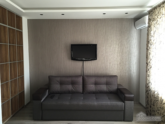 Новые видовые люкс апартаменты в центре, 2х-комнатная (44624), 006