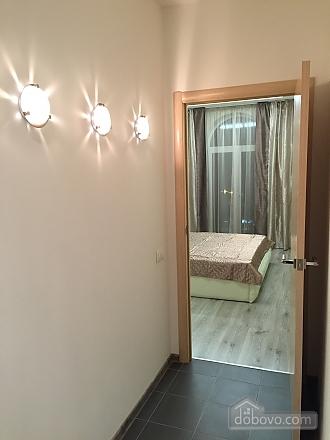 Новые видовые люкс апартаменты в центре, 2х-комнатная (44624), 010