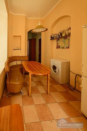 Затишна квартира, 2-кімнатна (37109), 011