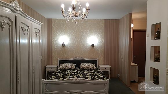 Евро-квартира в центре, 1-комнатная (56635), 001