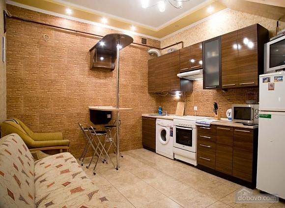 Комфортабельна квартира, 2-кімнатна (86572), 002