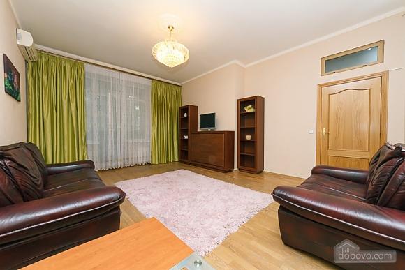 Квартира в центрі міста, 3-кімнатна (11379), 007