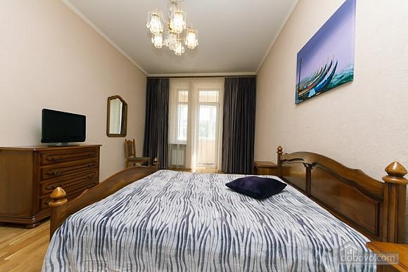 Квартира в центрі міста, 3-кімнатна (11379), 013