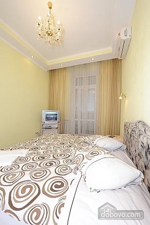 Квартира рядом с Крещатиком, 2х-комнатная (10643), 009