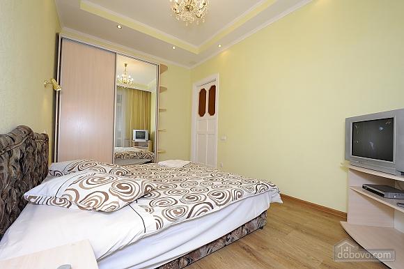 Квартира рядом с Крещатиком, 2х-комнатная (10643), 010
