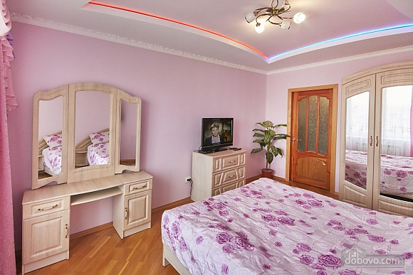 Apartment in the city center, One Bedroom (70473), 002
