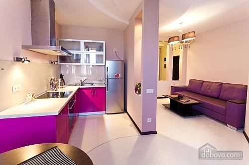 Уютная новая квартира в близости к центру, 2х-комнатная (70018), 006