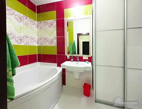 Уютная новая квартира в близости к центру, 2х-комнатная (70018), 010