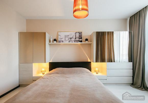 Уютная новая квартира в близости к центру, 2х-комнатная (70018), 007