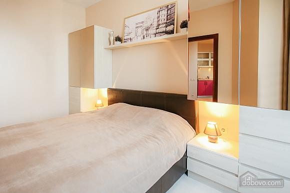 Уютная новая квартира в близости к центру, 2х-комнатная (70018), 008
