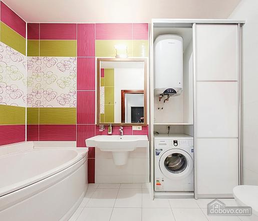Уютная новая квартира в близости к центру, 2х-комнатная (70018), 009