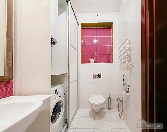 Уютная новая квартира в близости к центру, 2х-комнатная (70018), 013