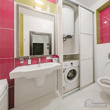 Уютная новая квартира в близости к центру, 2х-комнатная (70018), 012