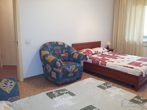 Apartment near Vyrlytsia metro station, Monolocale (70678), 004