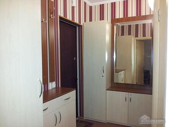 Apartment near Vyrlytsia metro station, Monolocale (70678), 006