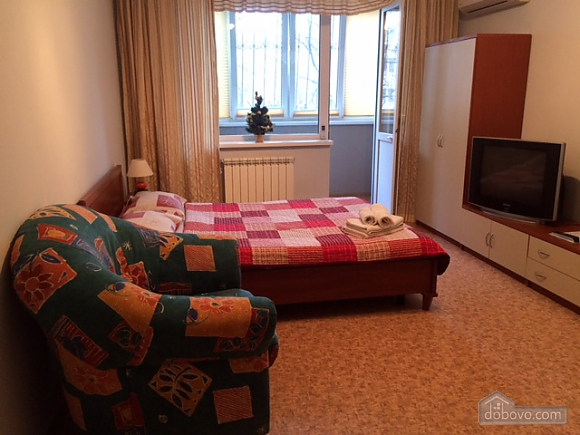 Apartment near Vyrlytsia metro station, Monolocale (70678), 003