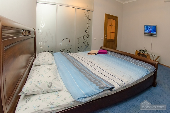 Квартира рядом с Крещатиком, 2х-комнатная (40197), 001