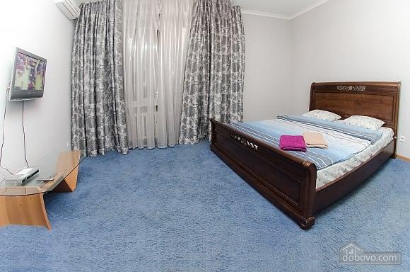 Квартира рядом с Крещатиком, 2х-комнатная (40197), 003