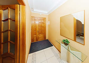 Apartment next to Kreshatik, One Bedroom, 007