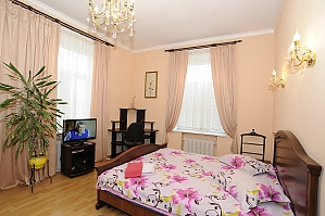 Apartment on Khreschatyk, Two Bedroom, 001