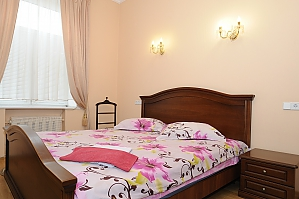 Apartment on Khreschatyk, Two Bedroom, 002