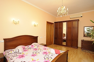 Apartment on Khreschatyk, Two Bedroom, 003