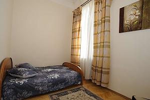 Apartment next to Khreschatyk, Two Bedroom, 004