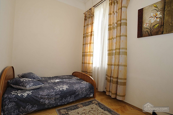 Квартира рядом с Крещатиком, 3х-комнатная (13464), 004